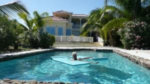 Monica Tatoiu in Antigua la pret de Mamaia