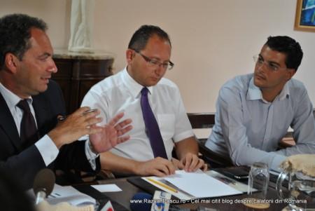 Razvan Pascu si ministrul turismului din Malta 11