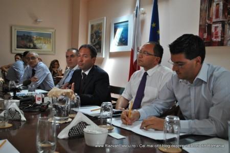 Razvan Pascu si ministrul turismului din Malta 5