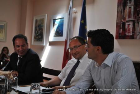 Razvan Pascu si ministrul turismului din Malta 7