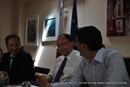 Razvan Pascu si ministrul turismului din Malta 8