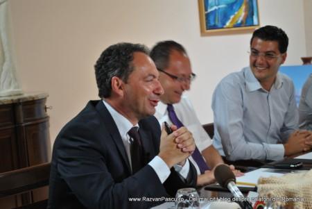 Razvan Pascu si ministrul turismului din Malta 9