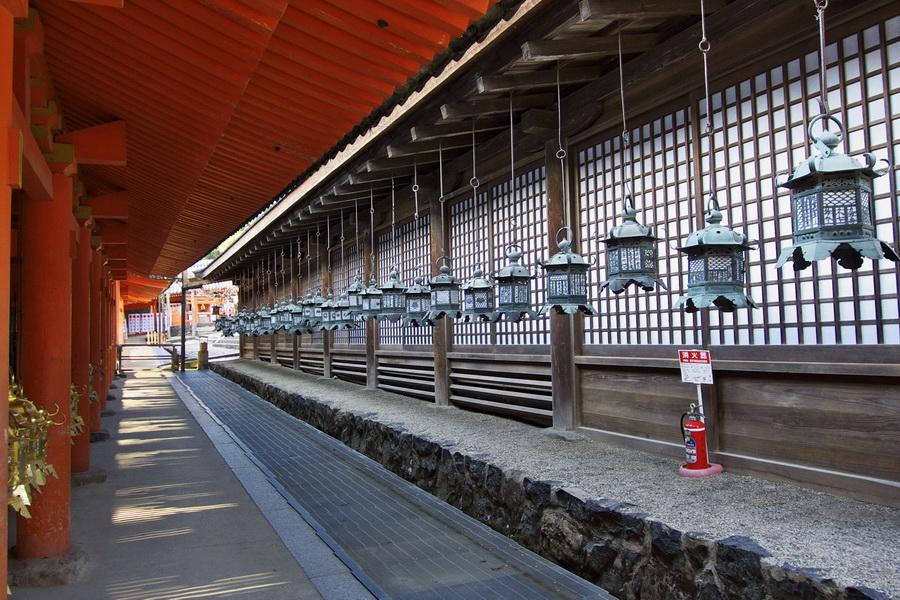 Japonia_Nara_altarul-Kasuga-Taisha_AnaT_6apr2014
