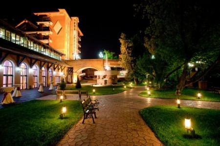 16 Caro Hotel ballroom-garden