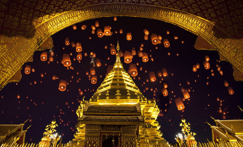 Doi suthep, golden pagoda and yeepeng in new year celebration fastival- Copyright anekoho