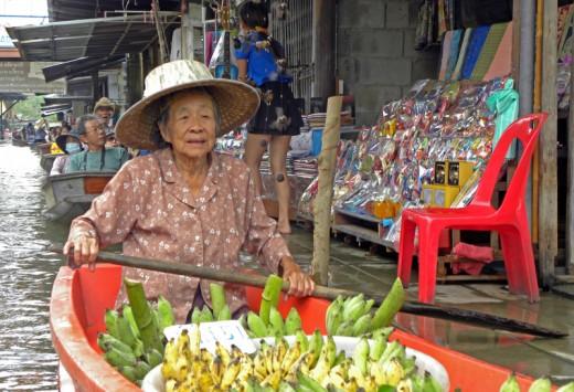 Thailanda_Bangkok_Piata_plutitoare_Damnoen_Saduak_AncaE_nov2012_70